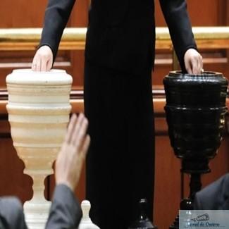 Motiunea de cenzura va fi votata si de cei 40 de parlamentari fug