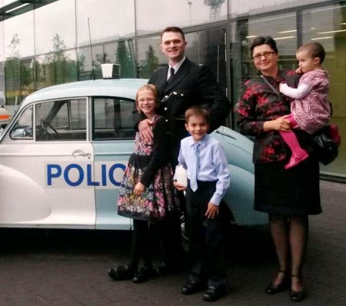 """Poliţist la Londra: """"Nu am avut nevoie să devin cetățean britanic, pe oriunde am mers am fost bine primit ca român"""""""