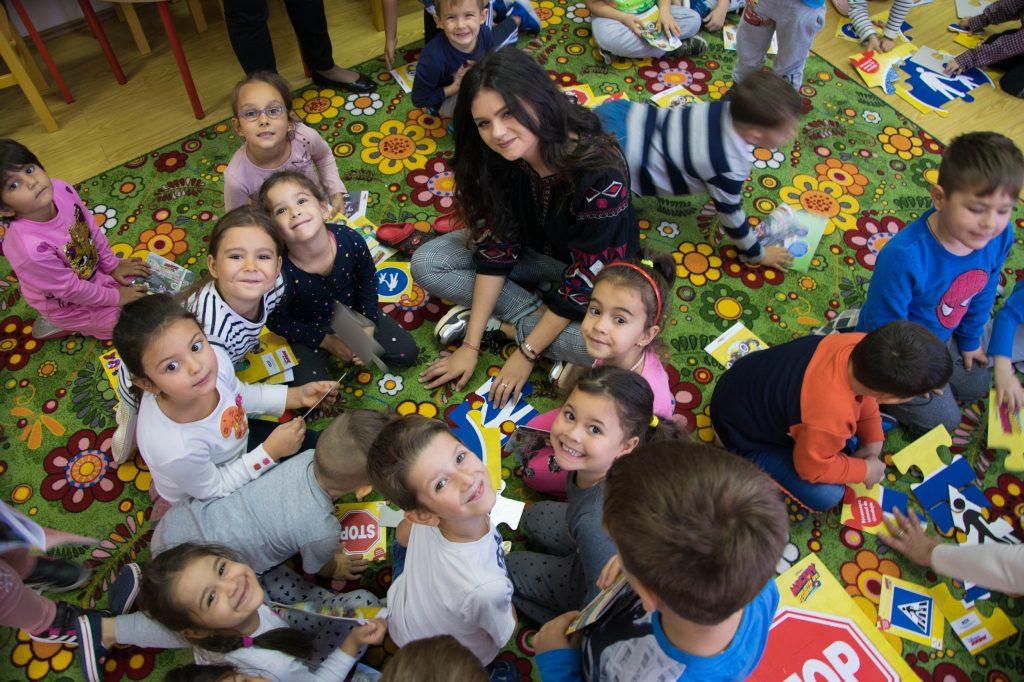 Proiect cu finanţare europeană: preșcolari sprijiniți să meargă la grădiniță