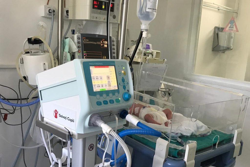 """""""Salvați Copiii"""" a donat aparatură pentru neonatologia spitalelor din Alba Iulia și Sebeș"""