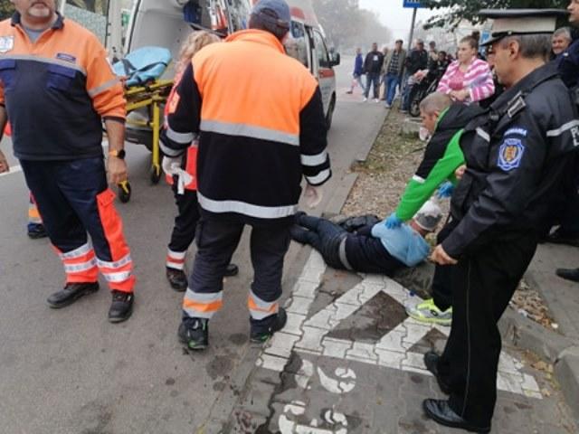 ACUM: Un bărbat a fost bătut chiar în fața spitalului din Focșani
