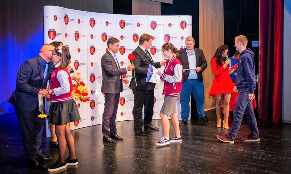 Autoritățile din Sebeș au premiat excelența în educație