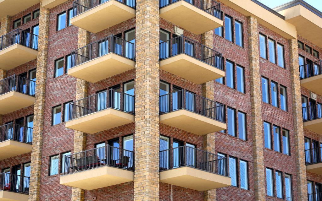 Dezvoltatorii imobiliari estimează o creştere de 10% a preţului pe metrul pătrat al caselor, în următorul an
