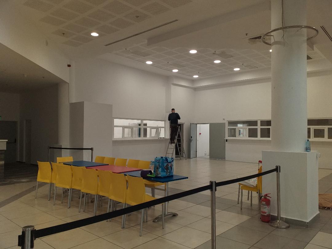 """Mutare în """"huiduieli"""" a Serviciului de permise la Galleria M"""