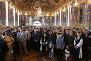 Ortodocșii din Bradu au biserica lor. Timp de 20 de ani slujbele