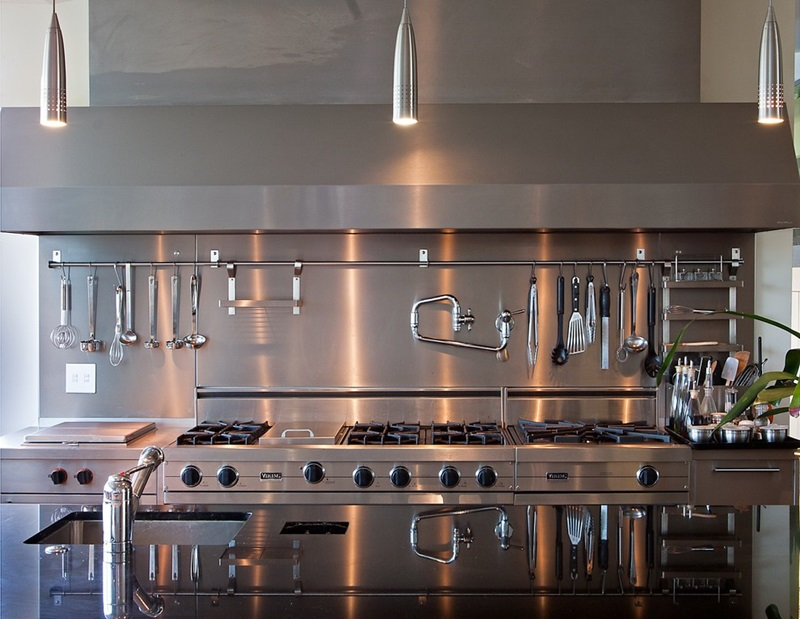 Prezentare ventilatoare industriale si hote profesionale din inox pentru bucatarie
