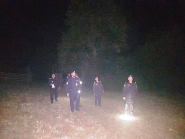 Un alt bărbat s-a rătăcit în pădure. Polițiștii și jandarmii l-au găsit după câteva ore