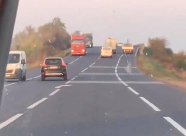VIDEO: Un șofer a semănat panică pe șoseaua europeană