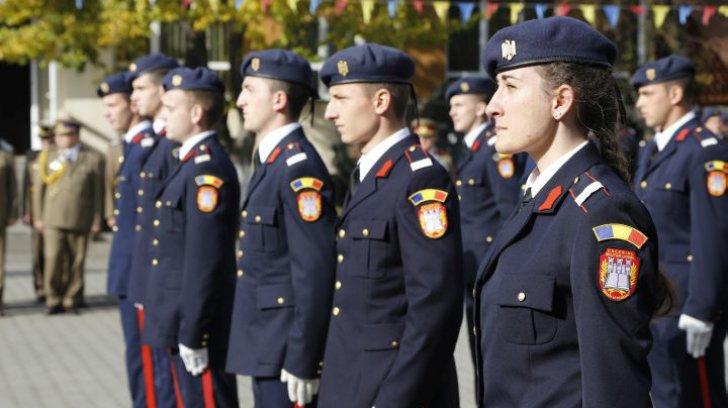 """Colegiul Național Militar """"Mihai Viteazul"""", reprezentat în premieră la parada din 1 Decembrie din București"""