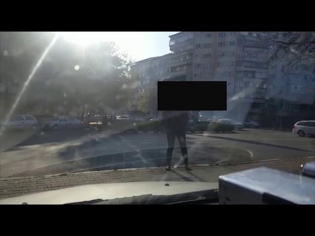 VIDEO: Pietonii care traversează prin locuri nepermise amendați de polițiștii focșăneni