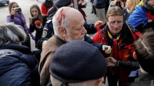 Gelu Voican Voiculescu, bătut de revoluționari în Piața Unive