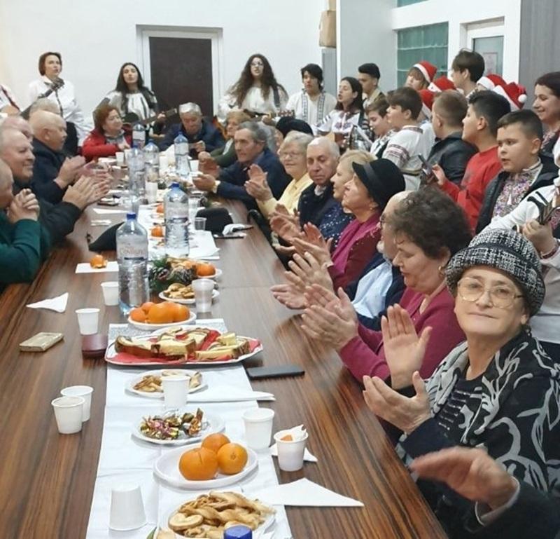 Pensionarii PSD Piatra Neamț sărbătoriți de Florentina Moise