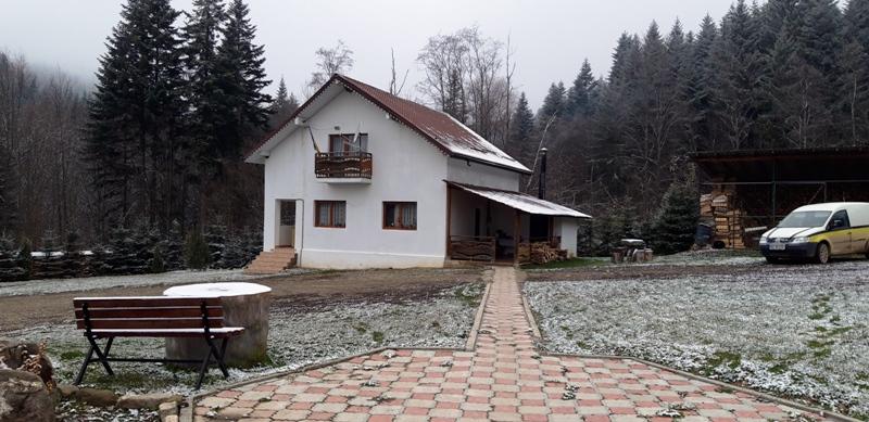 România cea puțin cunoscută: Cabana de vânătoare Frasin și apele tămăduitoare de la Negulești