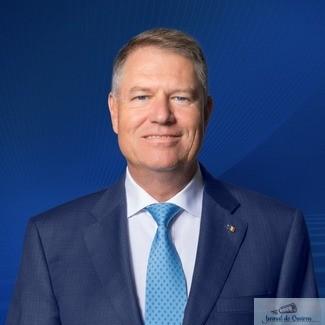 Klaus Iohannis a promulgat Legea prin care sunt dublate alocatiile pentru copii
