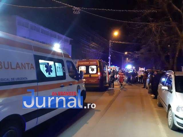 FOTO-ACUM: Grup de pocăiți,  spulberat în fața bisericii de o mașină, la Mărășești