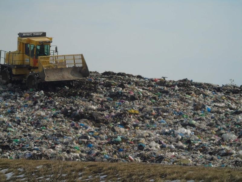 """Garda de Mediu chemată să verifice cât de """"ecologic"""" este depozitul de gunoi de la Girov"""