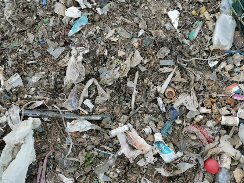 """USR Neamţ atrage atenţia: """"deşeuri amestecate şi periculoase"""" la groapa de gunoi Piatra Neamţ"""