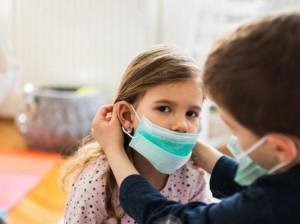 Italia a stabilit principalele reguli pentru reînceperea școlii, la toamnă. Cu mască, alternanță on-line / școală, încredere