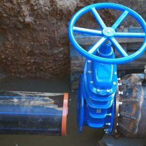 Lucrări de cuplare a noilor rețele de distribuție a apei în zona străzii Luptei