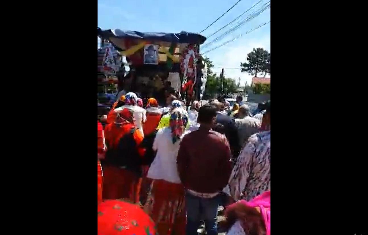 VIDEO! Focșani: înmormântare cu alai de peste 100 de persoane în plină stare de alertă! Cine respectă legea?