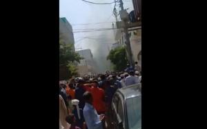VIDEO Un avion cu 107 persoane la bord s-a prăbușit peste un oraș din Pakistan