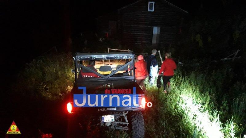 Doi turiști rătăciți în Munții Vrancei au fost căutați toată noaptea de echipele SALVAMONT
