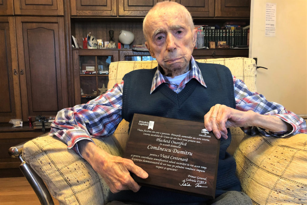 """Dumitru Comănescu, """"cel mai vârstnic bărbat al Planetei"""", a murit la 111 ani"""