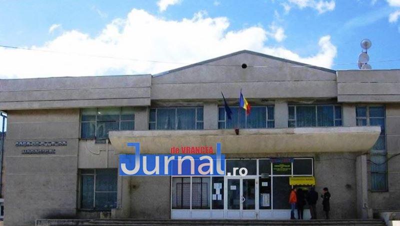 """Se reia proiectul de reabilitare, modernizare și dotare a Casei de Cultură """"Emanoil Petruț"""" din Mărășești"""