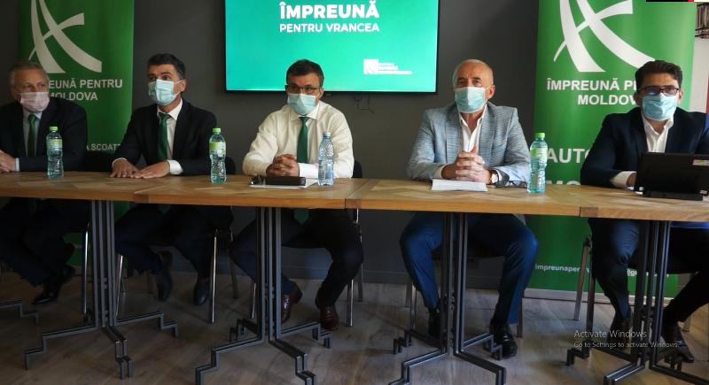 """VIDEO! Biroul Politic Național al Partidului Împreună pentru Moldova reunit la Focșani. Liviu Macovei: """"Există mai multe linii de atac care vor să mă scoată din cursă!"""""""