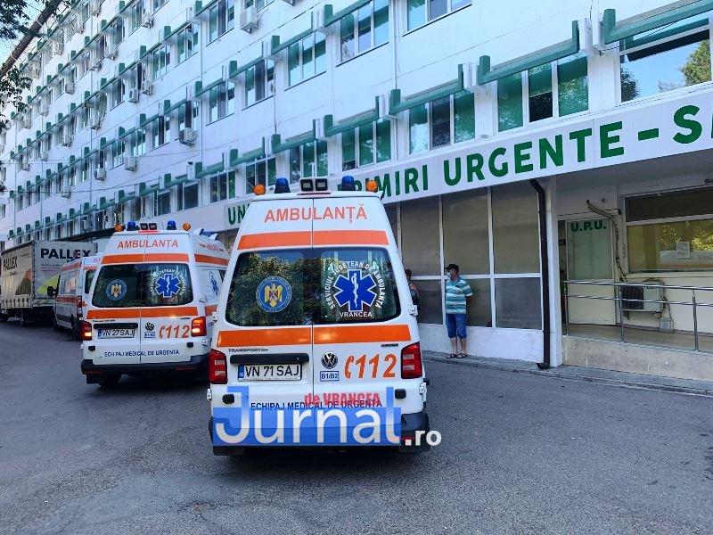 Un bărbat din Hunedoara a fost adus la Spitalul Județean cu plăgi înjunghiate