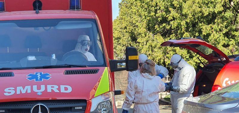 Trei paramedici au fost confirmați infectați, anchetă epidemiologică la ISU Neamț