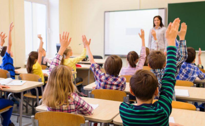 """ULTIMĂ ORĂ: Klaus Iohannis: """"Școala va începe la 14 septembrie. Elevii vor merge fizic la școală, cu mici excepții"""""""