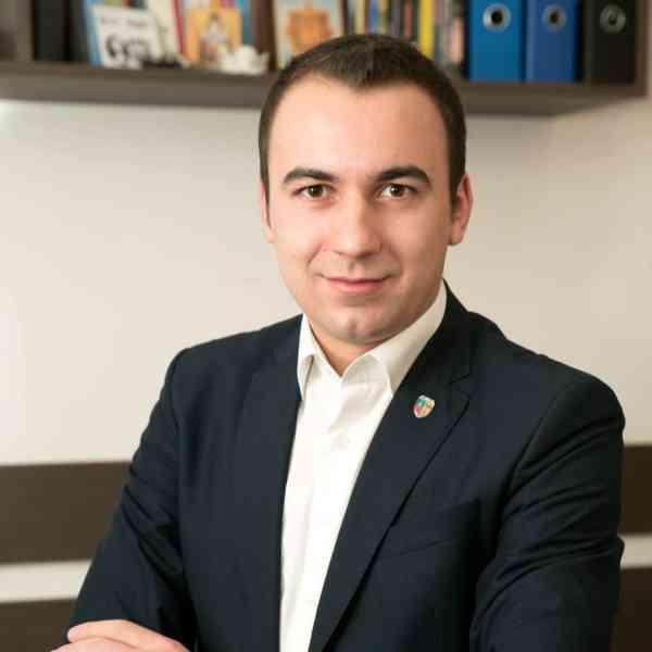 Bogdan Ivan: Prefectura e fără prefect. Dolha își ține locu