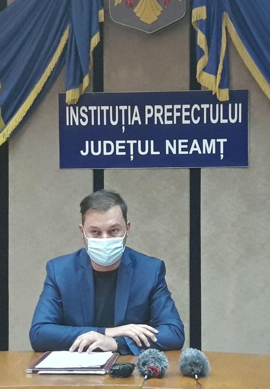 Fostul primarul de Bahna și funcționari ai Primăriei Podoleni reclamați de prefectul de Neamț