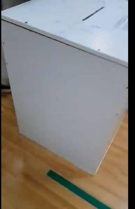 Încă o urnă nesigilată în Piatra Neamț la secția nr. 14. Video