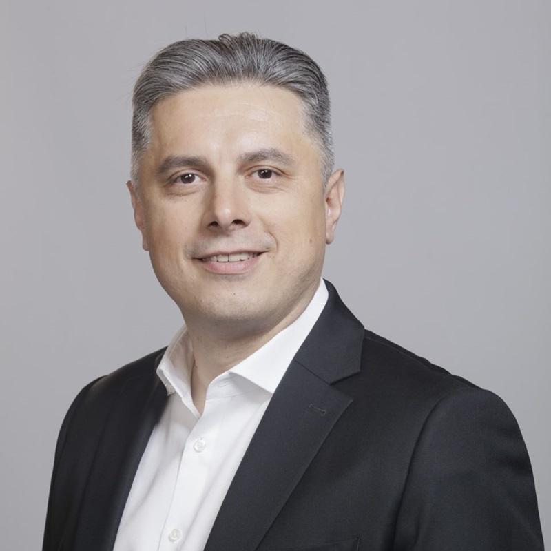 Lupta pentru președinția CJ Neamț: Candidatul PNL Mugur Cozmanciuc are un ușor avans în fața candidatului PSD Ionel Arsene