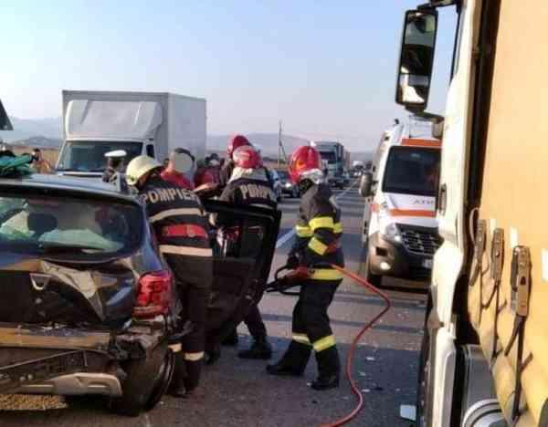 Șoferi din Bistrița-Năsăud, implicați într-un accident în județul Alba (FOTO)