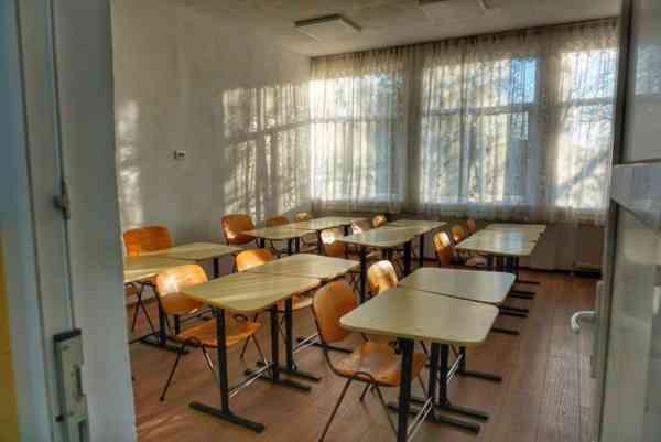 Trei unități de învățământ din Bistrița-Năsăud schimbă scenariile în baza cărora funcționează