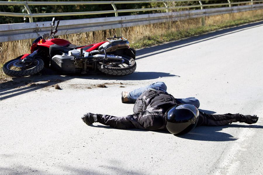 Un motociclist bulgar a murit pe Transalpina. A căzut într-o râpă în zona Tărtărău