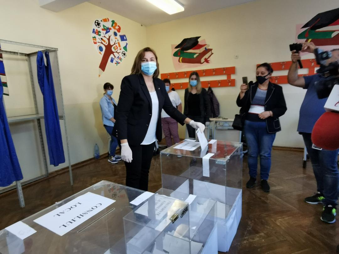 """Vera Mitran, candidatul PNL pentru primăria Alexandria: """"Am votat pentru o Alexandrie europeană, am votat pentru viitorul tinerilor noștri"""""""