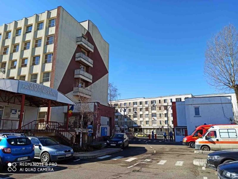 68 de angajați cu Covid la Spitalul Municipal de Urgență Roman