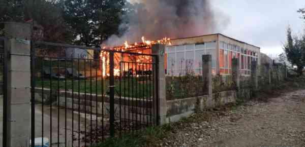 Anexă ce aparținea unei cabane, distrusă într-un incendiu