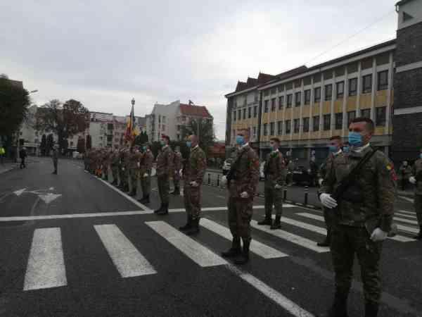 FOTO: Ceremonie militară la Bistrița, de Ziua Armatei Române