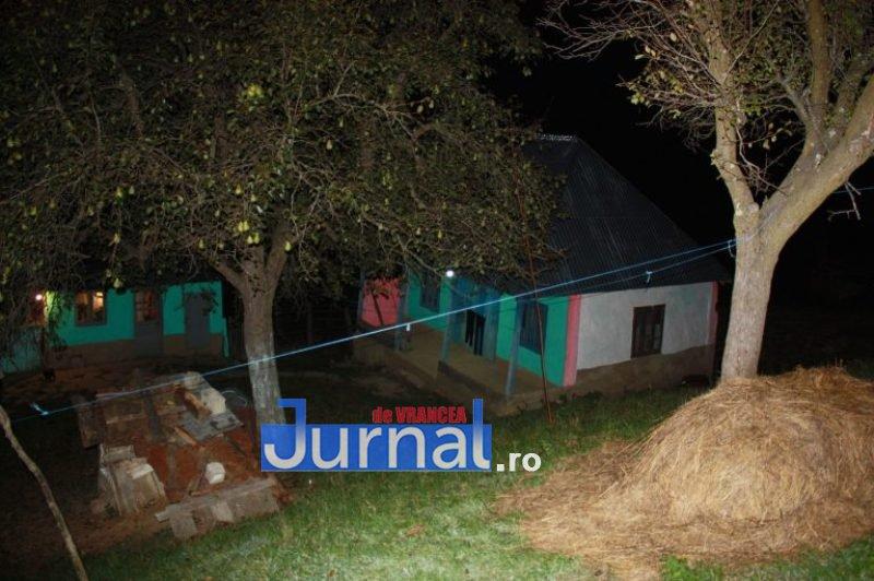 GALERIE FOTO: Lumina a ajuns în casă la tanti Călina cu ajutor