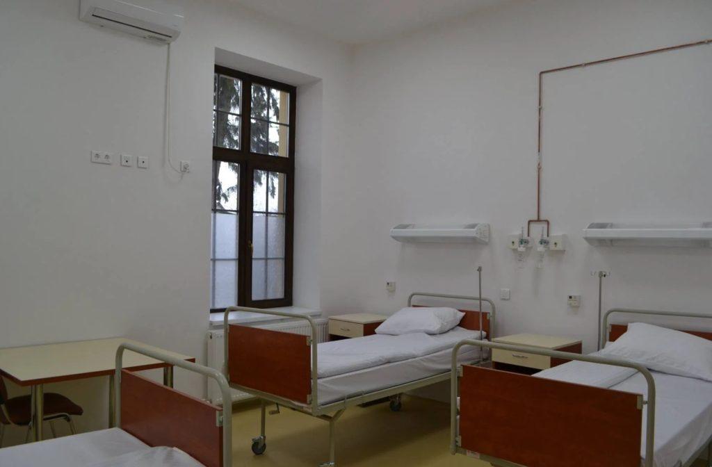 Un pacient de CoVid-19 s-a sinucis în spital! S-a aruncat de la fereastră
