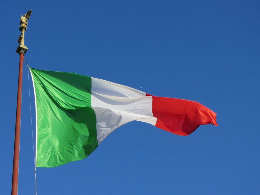 Italia interzice petrecerile în aer liber în seara de Revelion