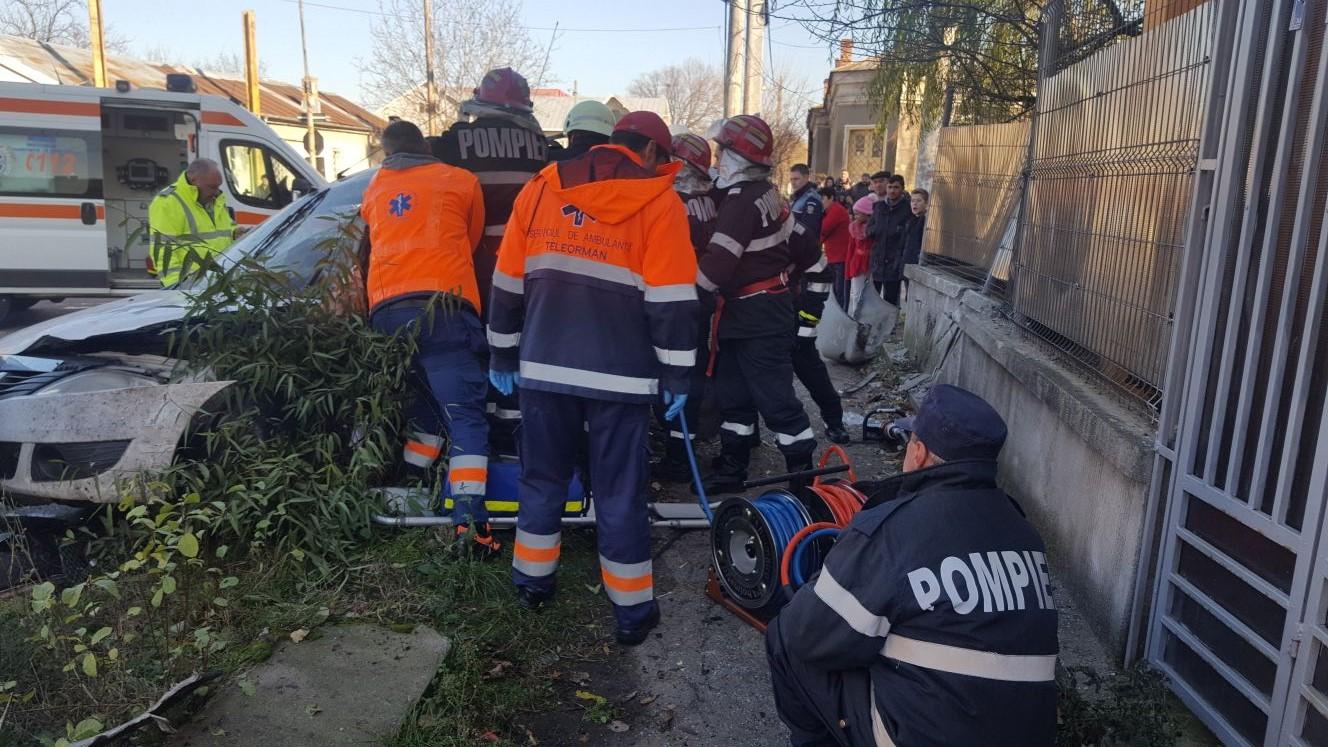 Accident, în comuna Salcia. Un tânăr de 26 de ani, pasager pe