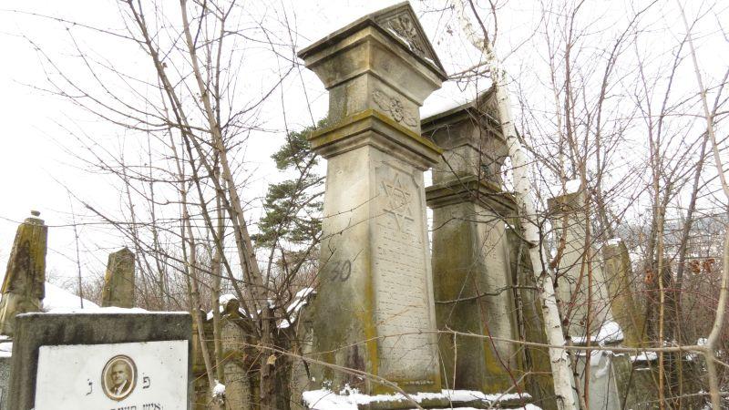 Cimitirul evreiesc de la Sarata, peste 5.000 de morminte