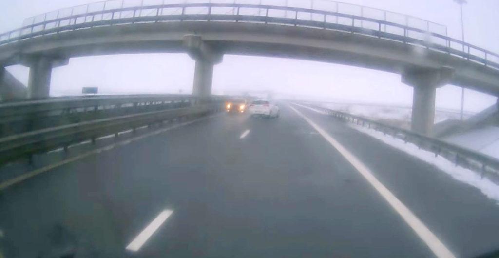 Cum ajung șoferii să circule pe contrasens pe autostradă