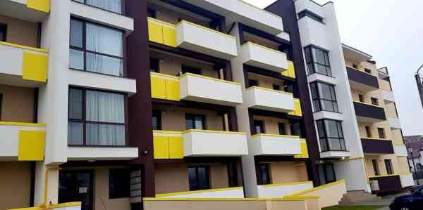 FOTO: Bloc ANL cu locuințe destinate specialiștilor din adminis